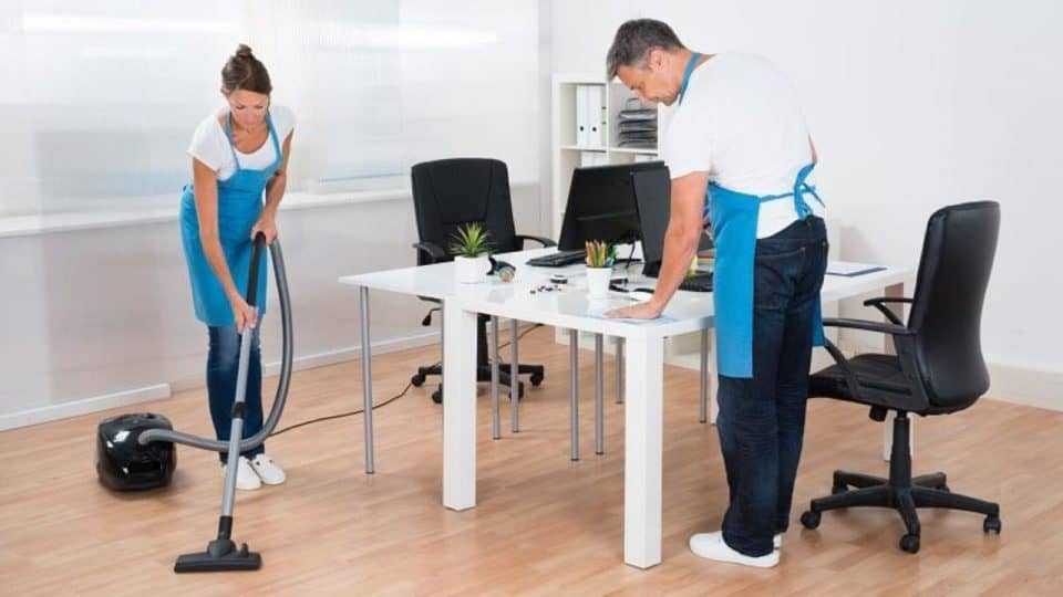 How To Clean An Office Professionally?